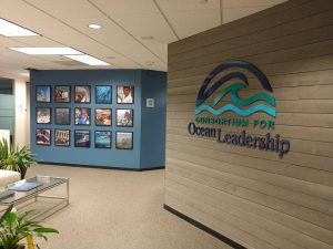 custom lobby signs and graphics